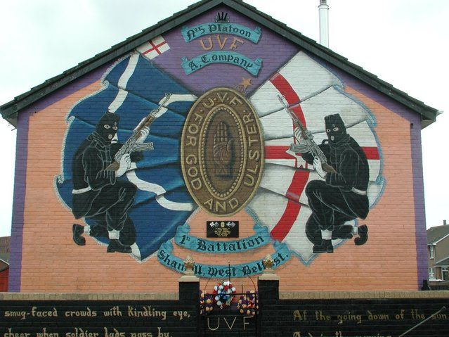 Mural depicting UVF 1st Battalion soldiers